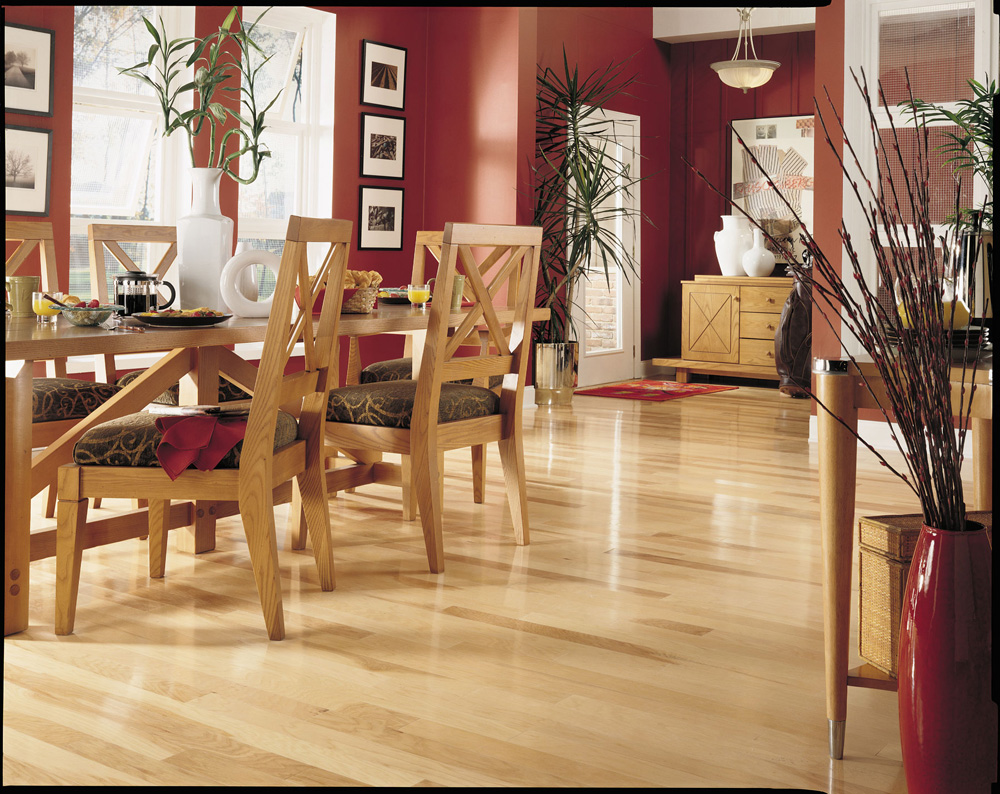 Matching Hardwood Flooring and Furnishings
